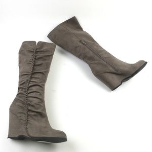 MIA Biscuit Tall Wedge Boots DRA01580 Sz 6.5
